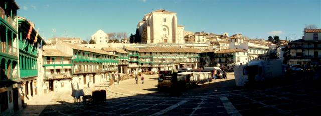 chinchon01 (Large)
