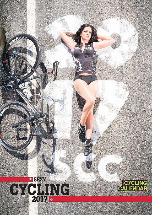 rb-sexy-cycling-kalender-titelseite2017-carmen-jpg-10793080
